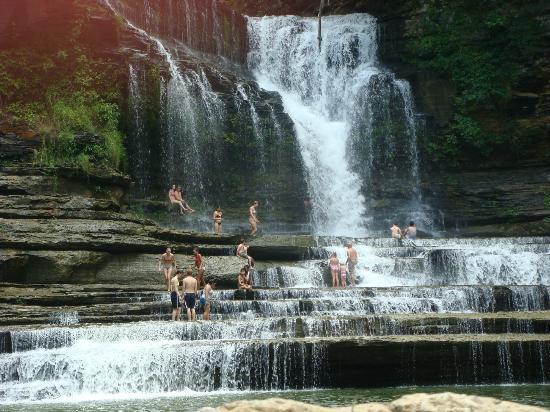 Cummins Falls, locuri speciale unde sa inoti, piscine naturale