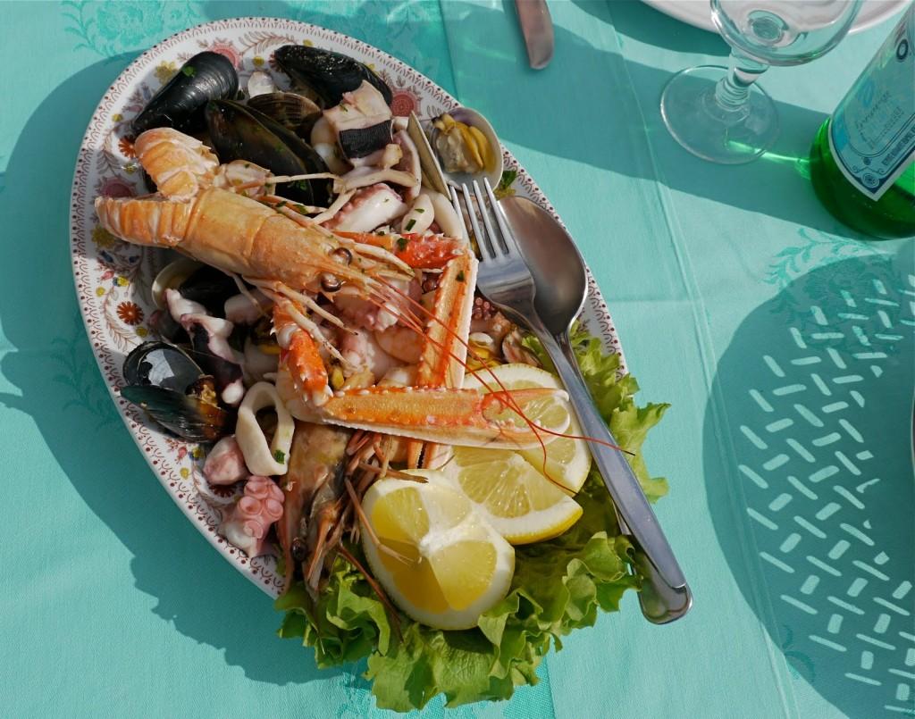 Salata de fructe de mare, destinatie culinara Italia