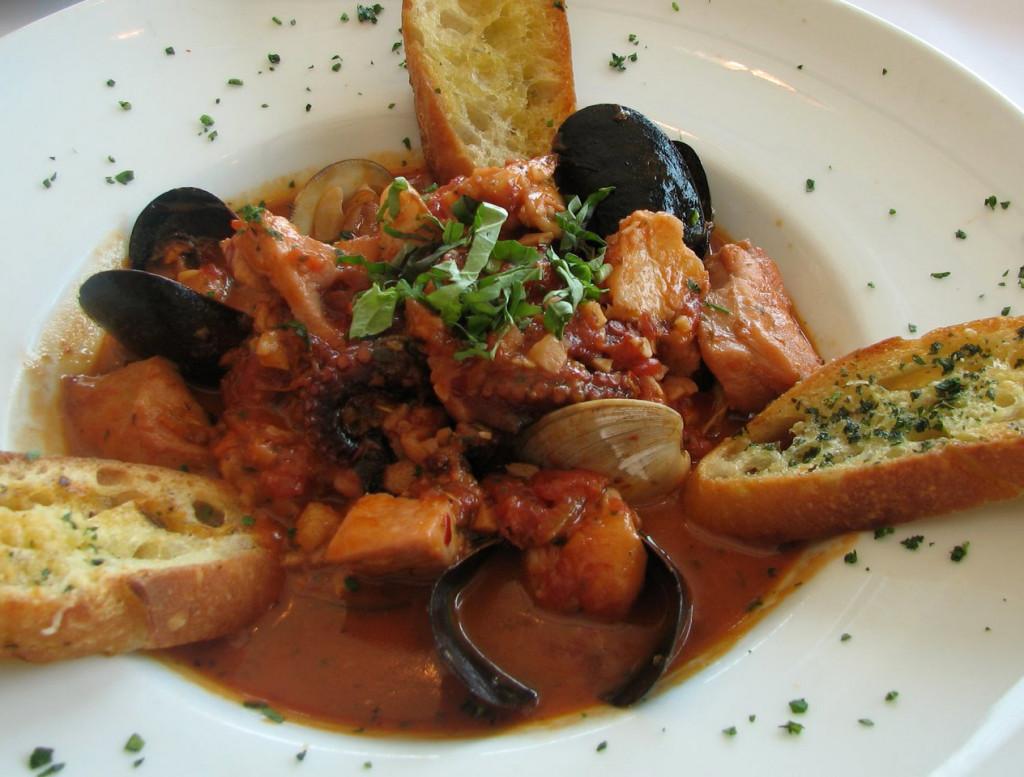 Zuppa di pesce, destinatie culinara Italia