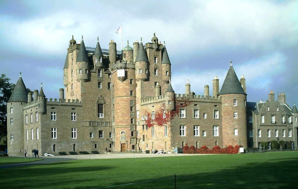 Castelul Glamis, castele bantuite in Scotia, locuri infricosatoare in Europa
