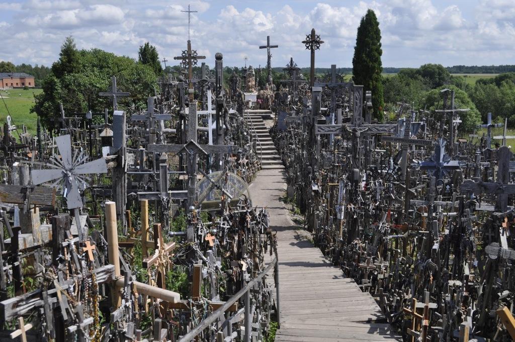Dealul Crucilor, locuri infricosatoare din Europa