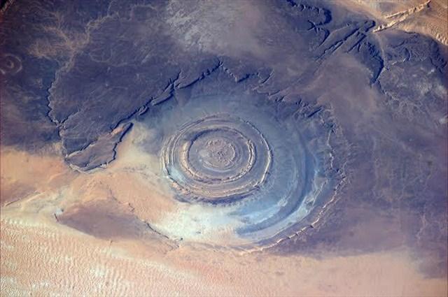 Ochiul Saharei, top locuri ciudate din lume
