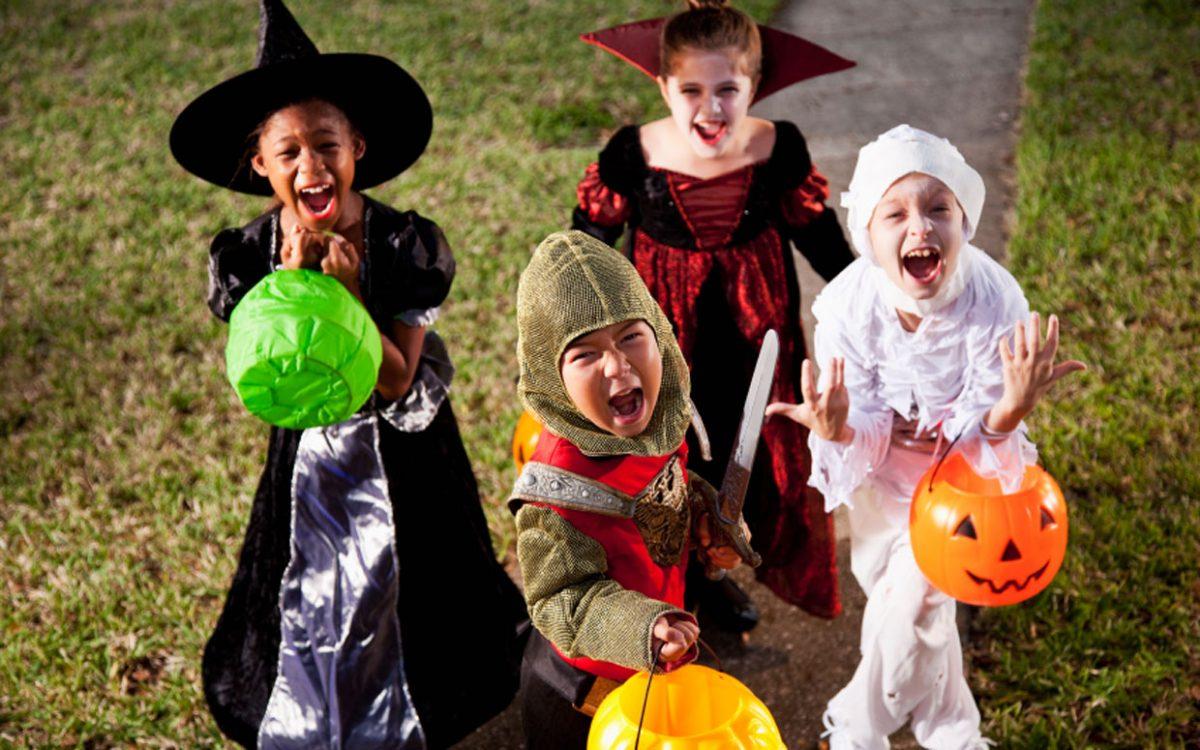 trick or treat, traditii de Halloween in lume