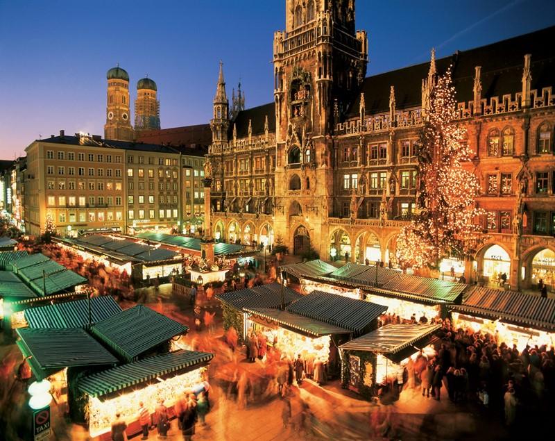 piata Craciun Marienplatz, Germania