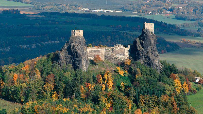 Castelul Trosky, orasele de piatra din Republica Ceha