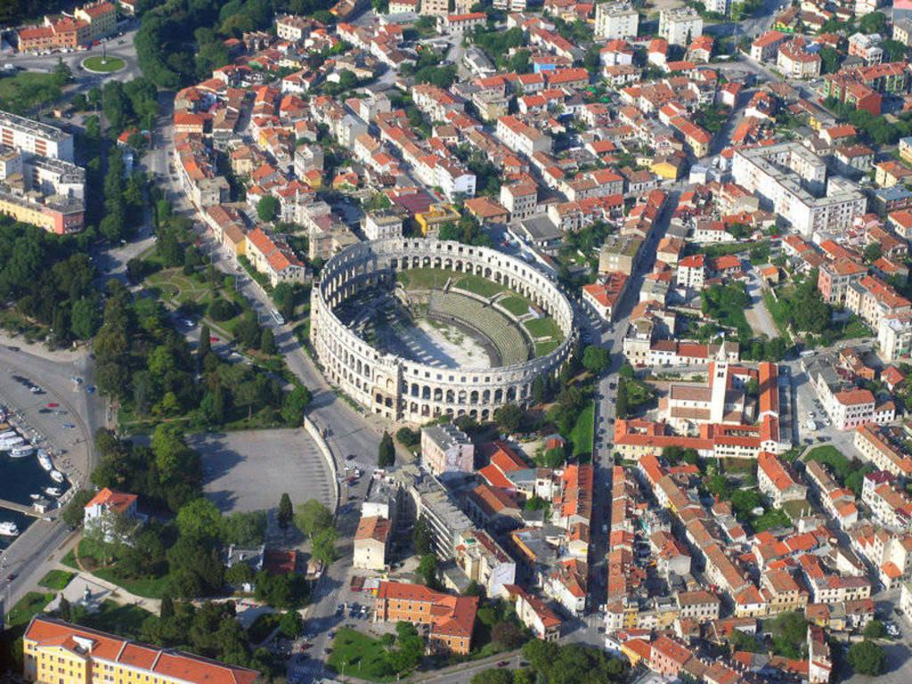 Pula, oras de vizitat in Croatia