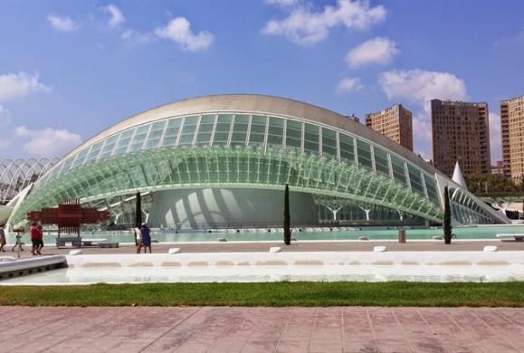 Valencia si urbanismul neofuturist
