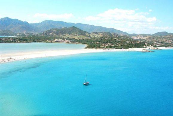 Cele mai frumoase 10 plaje din Italia. Cazare de la 200 lei/camera!