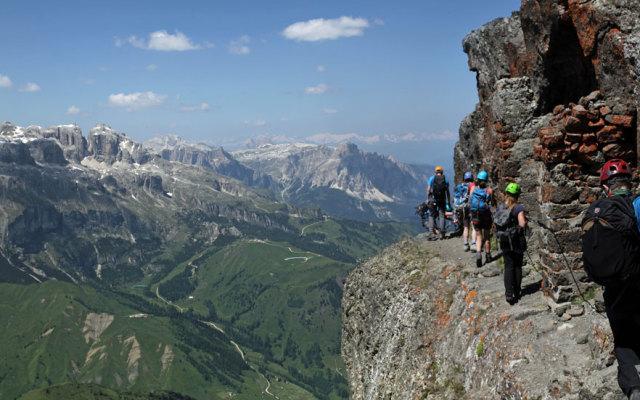 Via Ferrata in Dolomites, turism de aventura