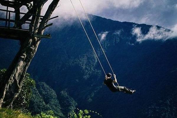 Leaganul de la Capatul Lumii din Baños, Ecuador
