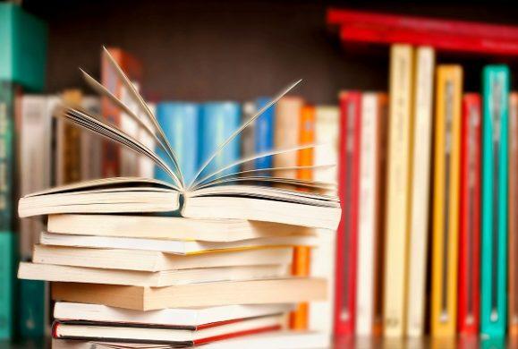 5 tipuri de carti care nu ar trebui sa lipseasca din biblioteca micutului tau