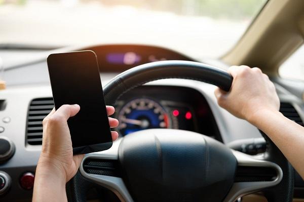 telefonul mobil la volan