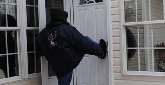 Cum sa iti protejezi casa de hoti